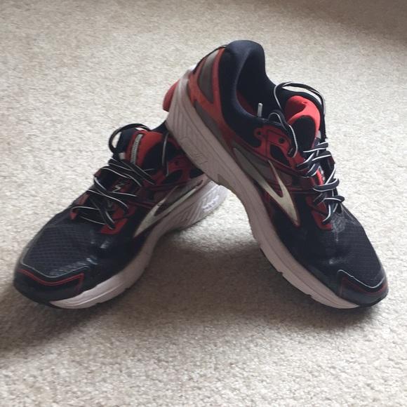 f9d8c1a4e7b Brooks Other - Men s Brooks Ravenna 7 running shoes. Size 9 1 2.